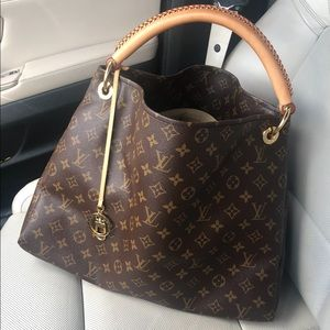 Louis Vuitton Artsy MM 💯% Auth, Monogram Print.